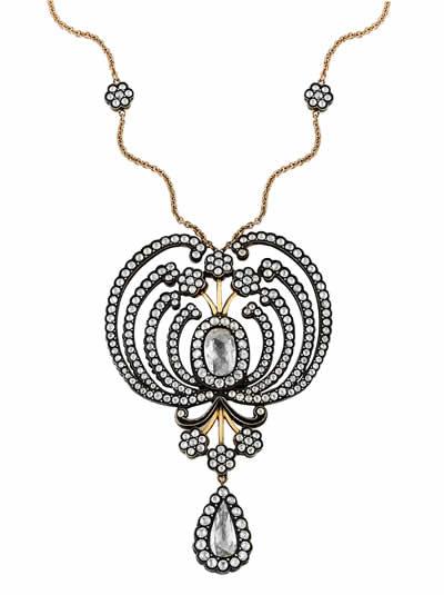 mart14b-atasay-tasarimlari-tum-ihtisamiyla-istanbul-jewelry-showda-jewelleryistanbul-almas