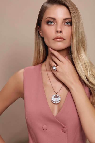 So CHIC…'ten el işçiliğini mücevhere dönüştüren aşk dolu bir koleksiyon